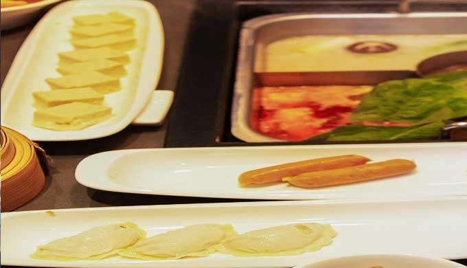 レストランの中華料理