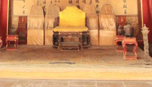 「殷王朝」甲骨文字を用いた民族達。保存された歴史の始まり