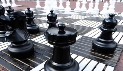 「チェスの歴史」将棋の起源、ルールの変化、戦争ゲームの研究物語