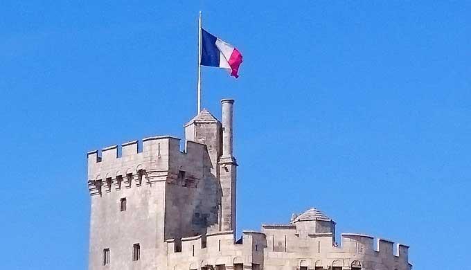 フランス革命」野蛮で残酷なひどい文化か、自由を求めた戦いか | エミュー