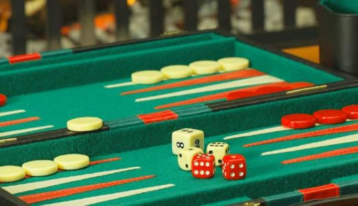 「バックギャモンの歴史」盤双六の発明。賭博か死後シミュレーションか